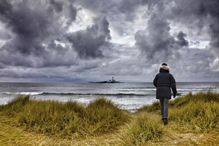 foap-walking_in_the_sand_dunes_