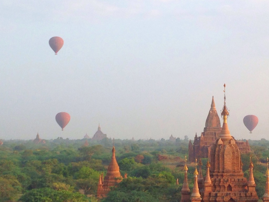 Foap-Balloons_over_Bagan