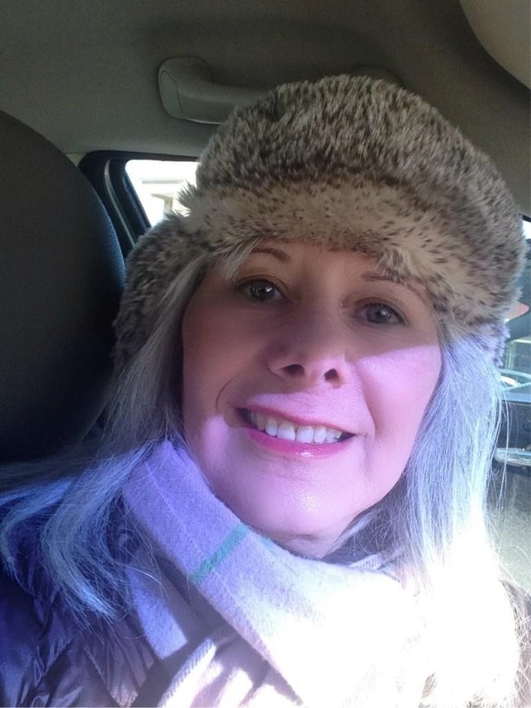 Foap-Woman_in_fur_hat