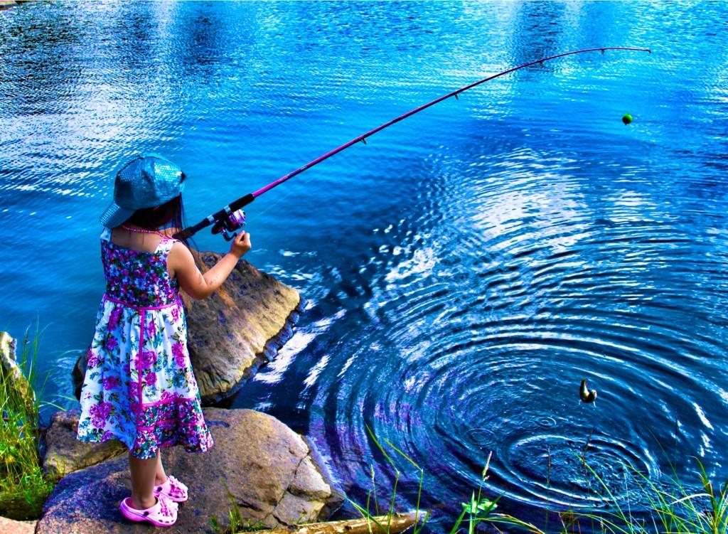 Foap-Catching_a_fish