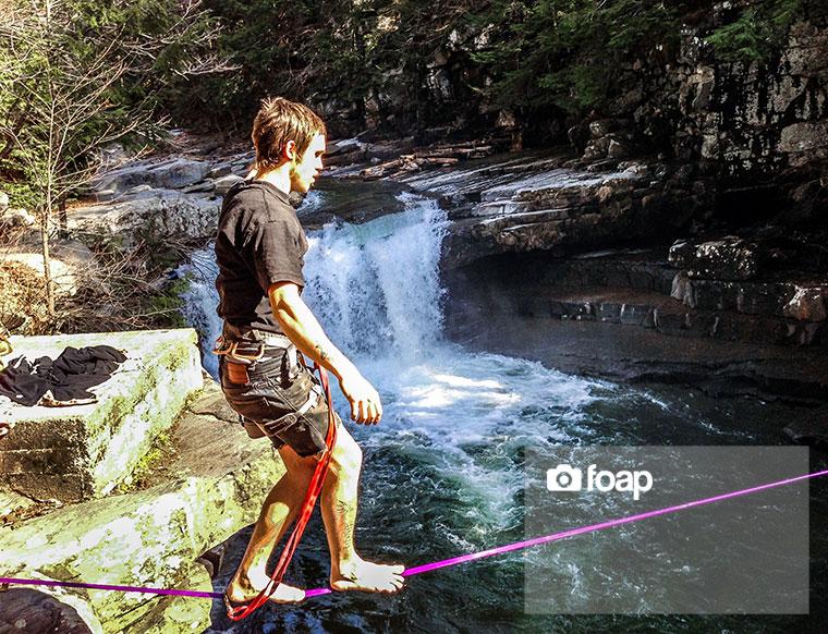 Foap-Slack_line_over_falls