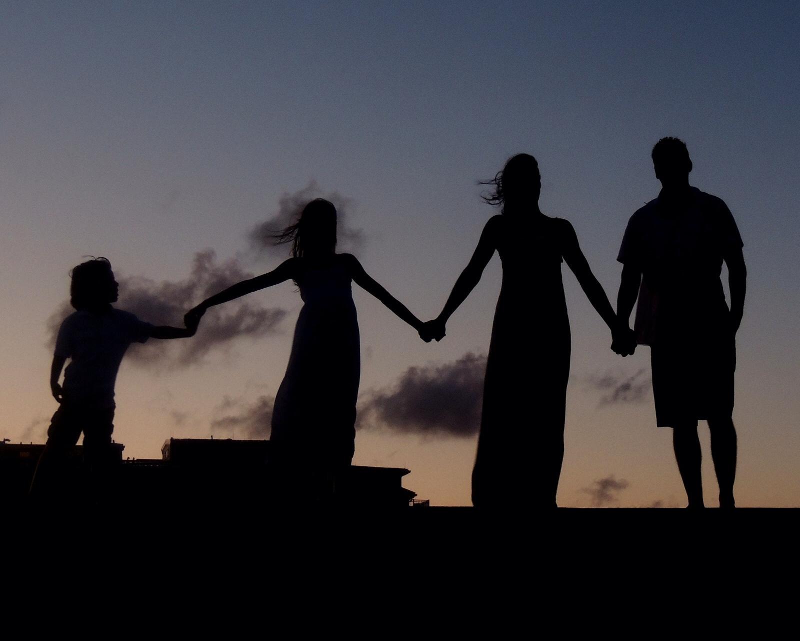 Foap-family_ties