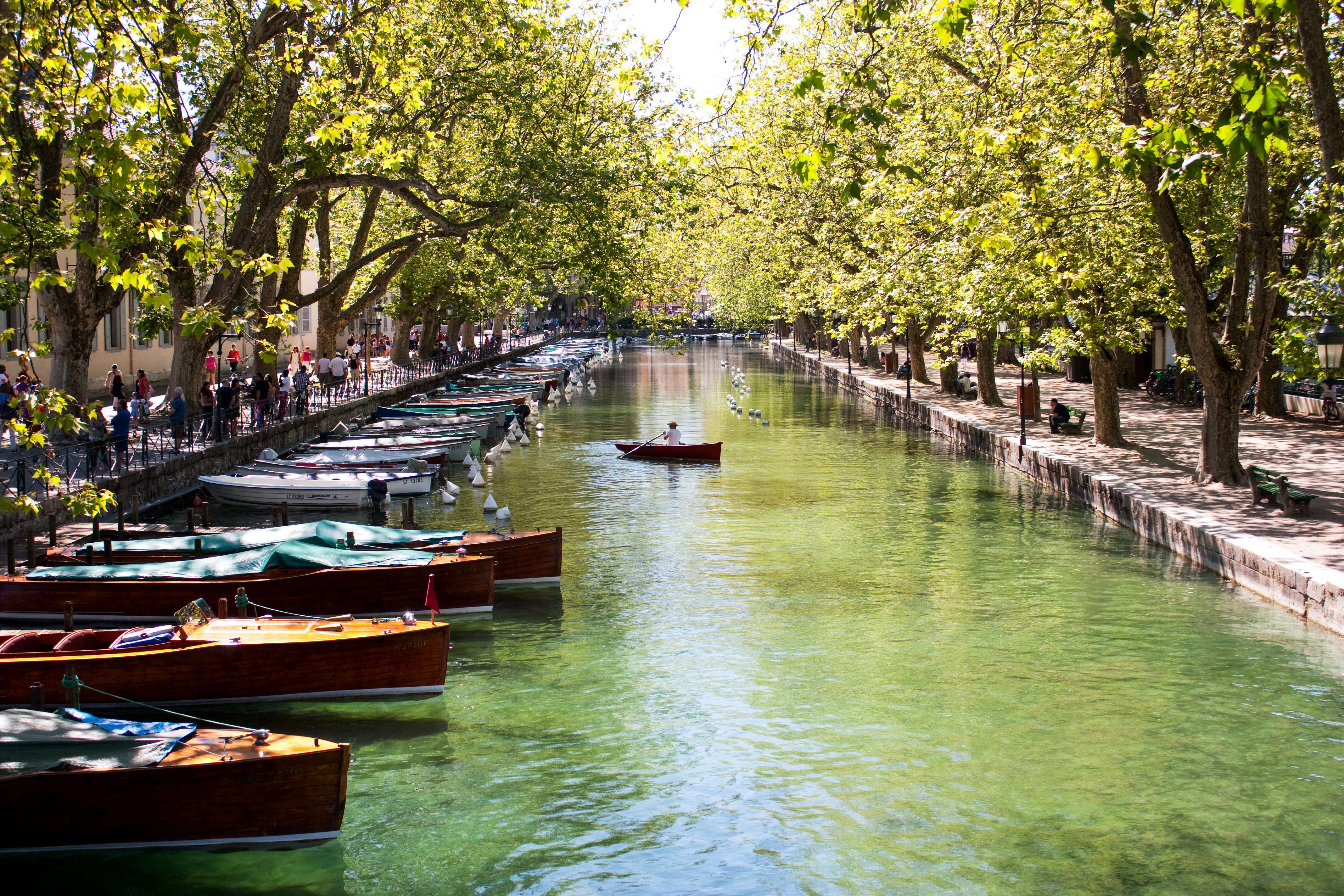 julieweiss10_Foap-Canals_of_Annecy_