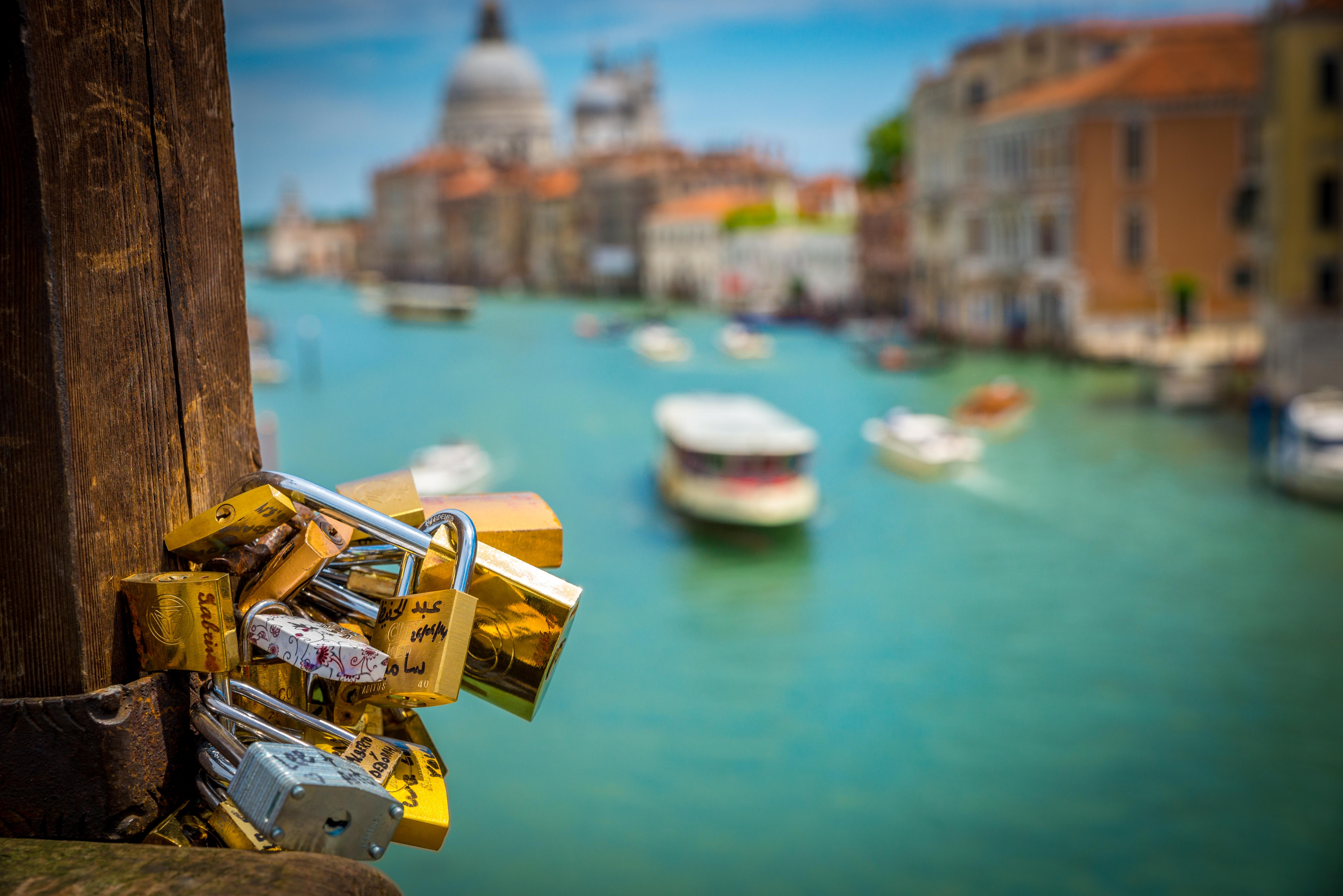 Foap-Locks_in_Venice