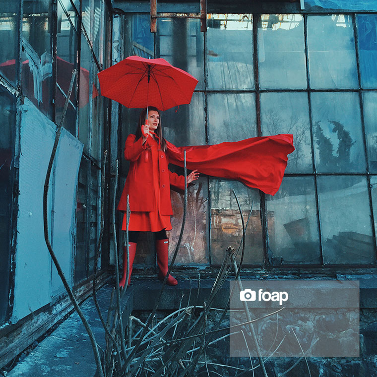 Foap-Superwoman_in_red_with_umbrella