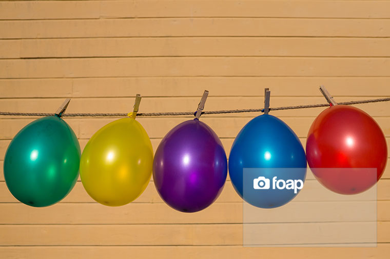 Foap-balloons_in_a_row_w