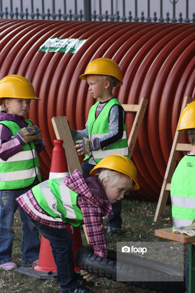 Foap-boys_constructionw