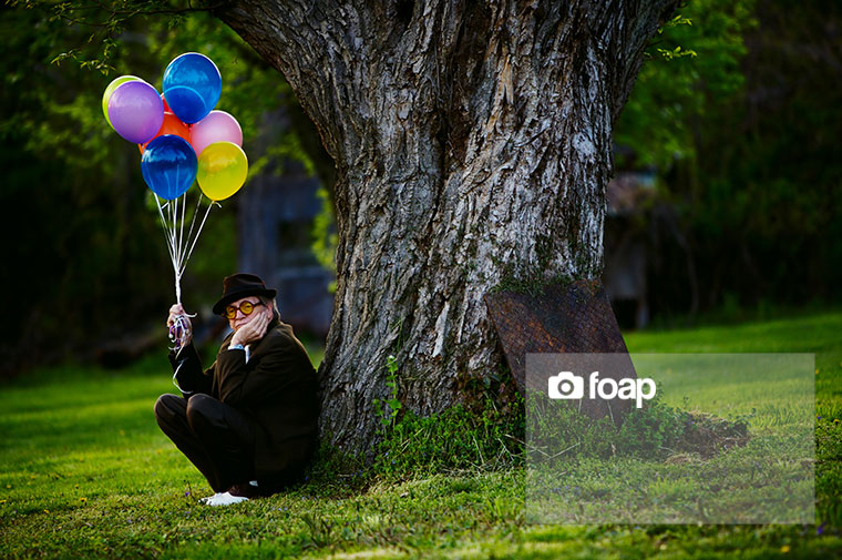 Foap-old_man_with_balloons-2w