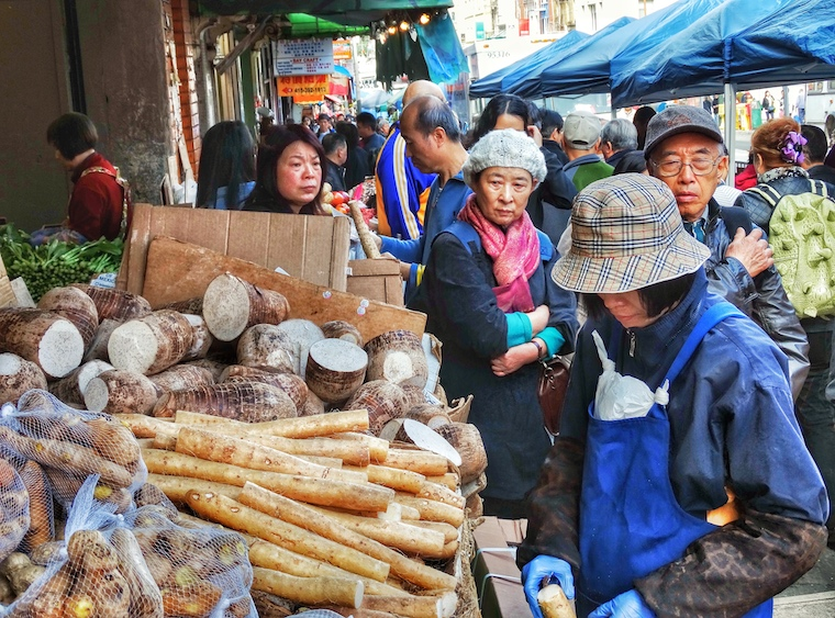 Foap-Crowded_Chinese_Street_Market