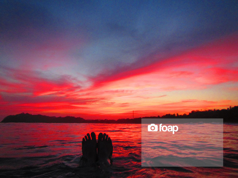 Foap-In_the_ocean_at_Sunset