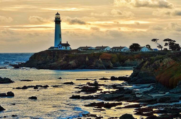 Foap-Lighthouse_on_California_coast