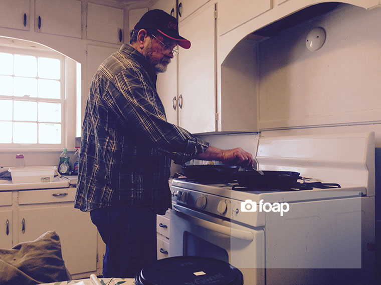 Foap-My_Dad_making_lunch