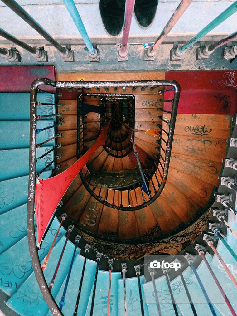 Foap-Parisian_stairs