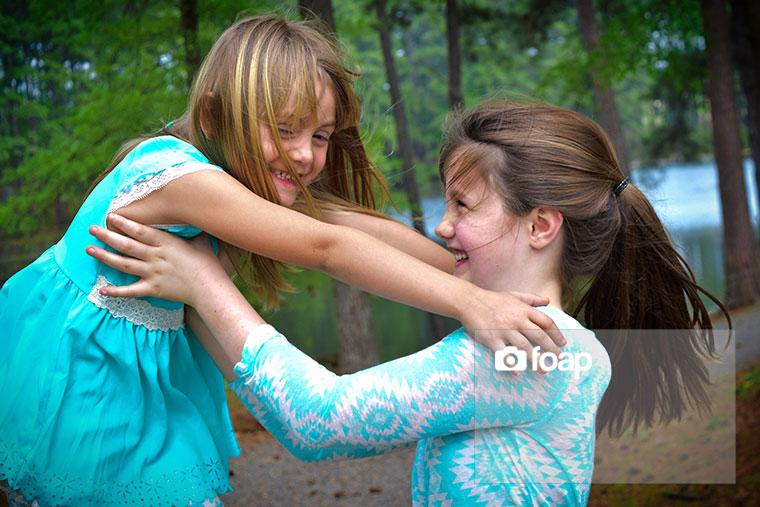 Foap-Sisters_enjoy_Spring