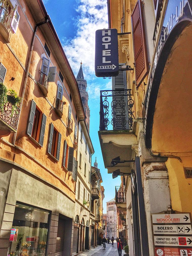 Foap-Via_solferino_Cremona_italy