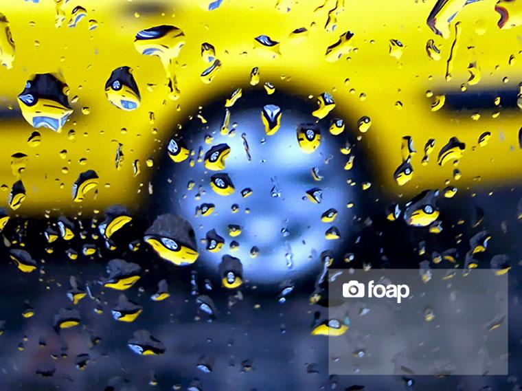 Foap-Yellow_taxi_in_drops