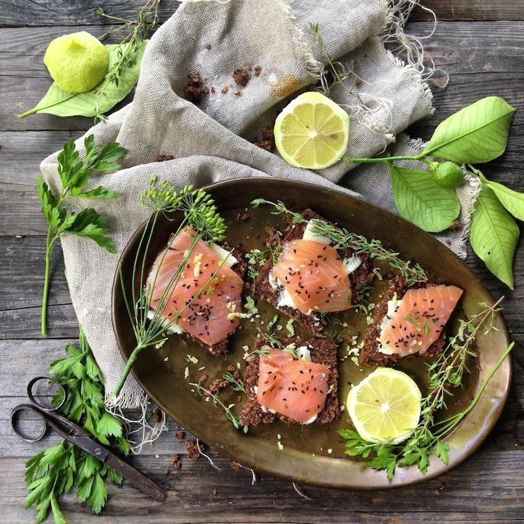 Foap-fresh_salmon_lemon_and_sesame_seeds