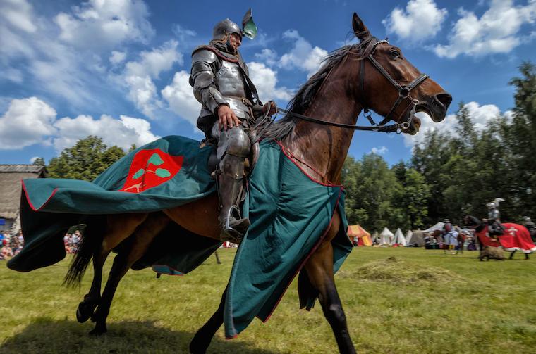 Foap-Medieval_Horseback