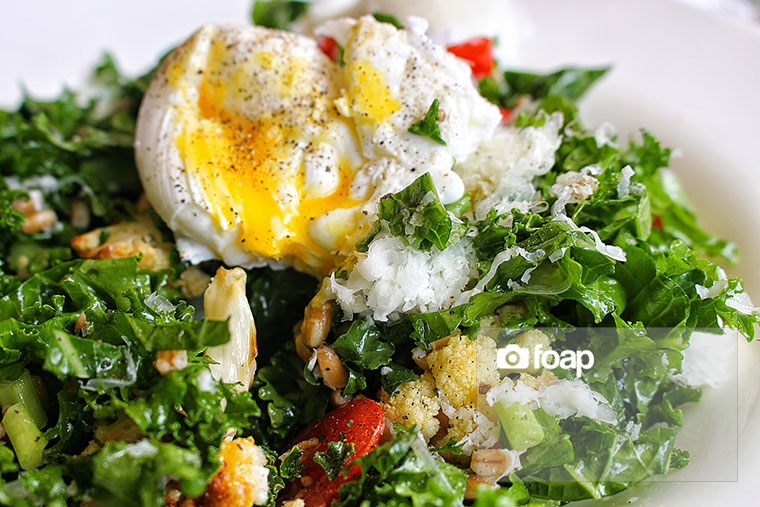 Foap-Poached_egg_salad_brunch_