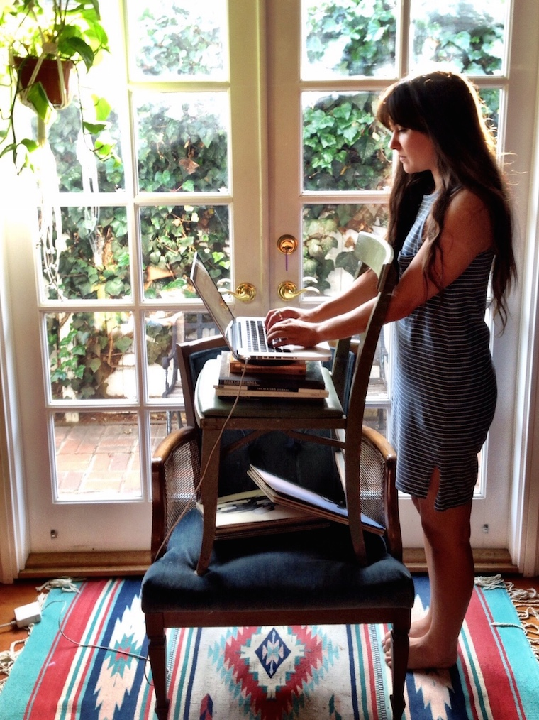 Foap-Vintage_Chair_Standing_Desk
