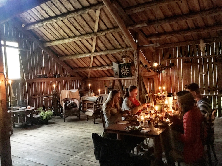 Foap-Barn_dinner_in_Drangedal