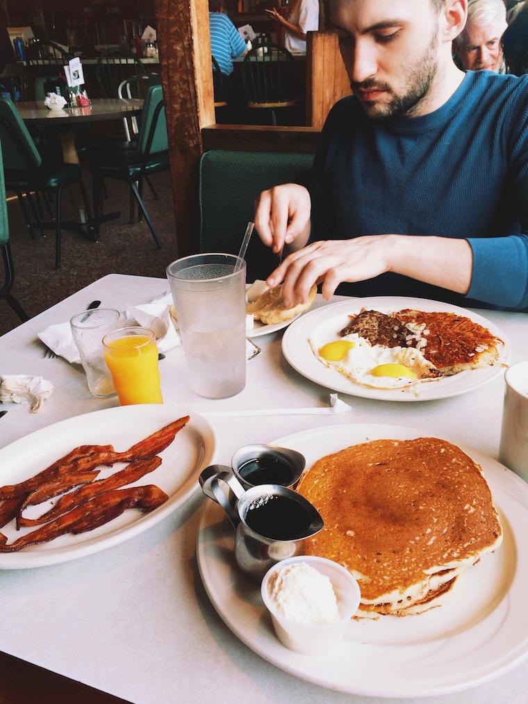 Foap-Diner_breakfast