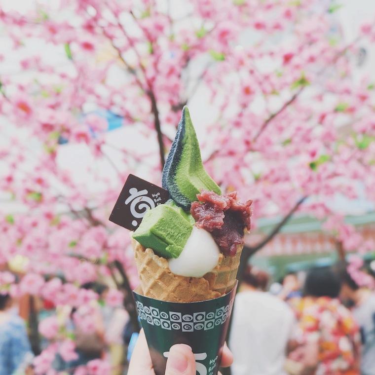 Foap Holding Ice cream