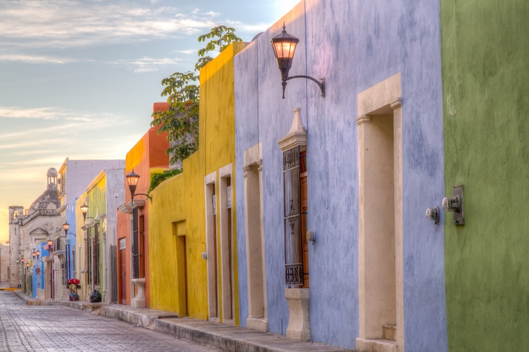 Foap-Colorful_street_in_Mexico