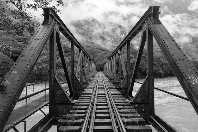 Foap-Railroad_bridge_over_river
