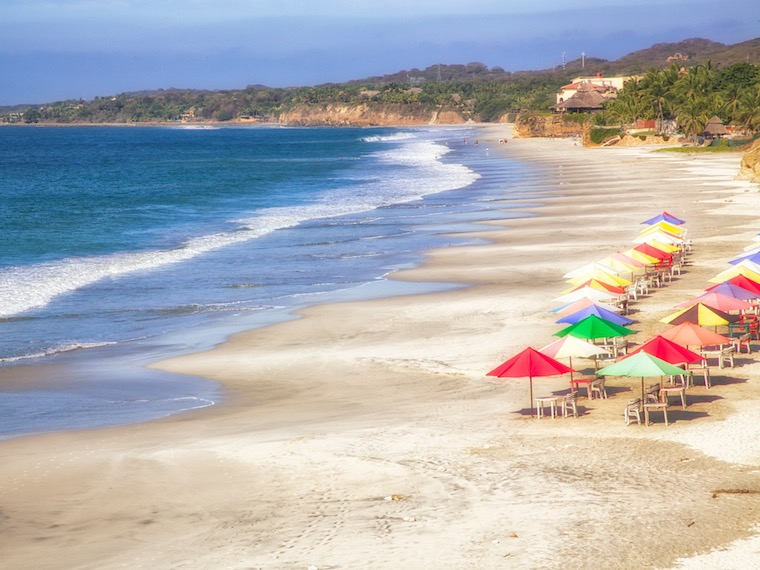 Foap-Relaxing_on_the_Beach_