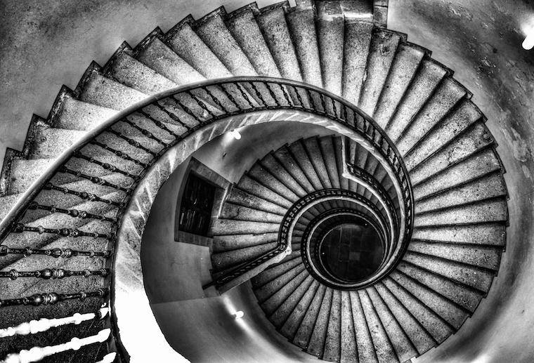 Triple_spiral_staircase