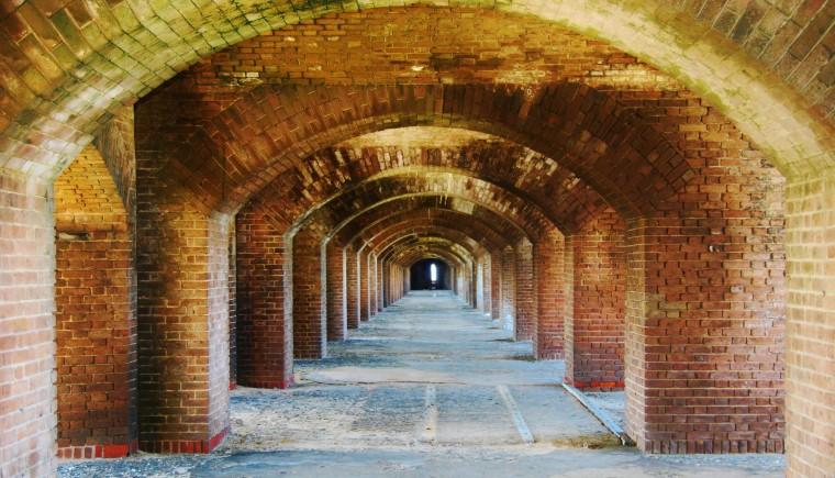 Foap-Brick_Wall_forming_a_Tunnel