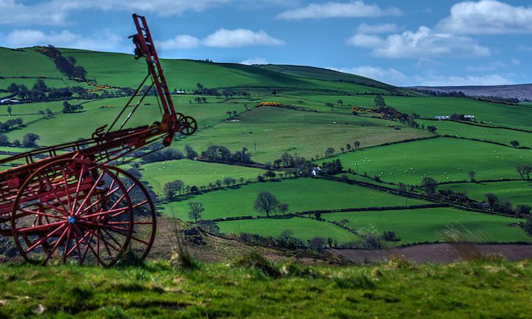 Foap-Lush_farms_in_northern_Snowdonia