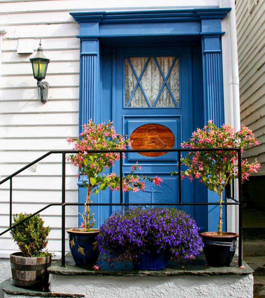 Foap-Blue_door_with_f