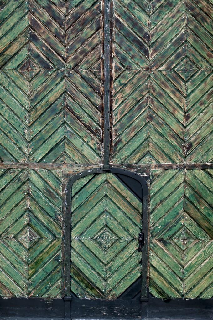 Foap-Green_doors_of_V