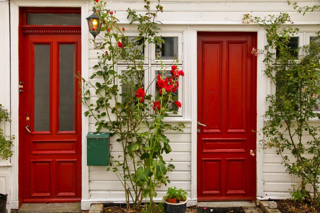 Foap-Red_doors_with_r